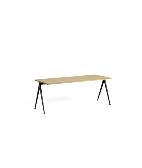 Pyramid Table 01 + Bench 11 Outlet