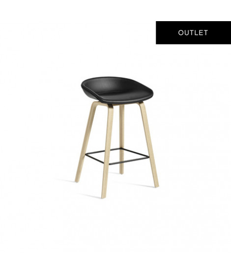 About a Stool AAS33 Black Outlet